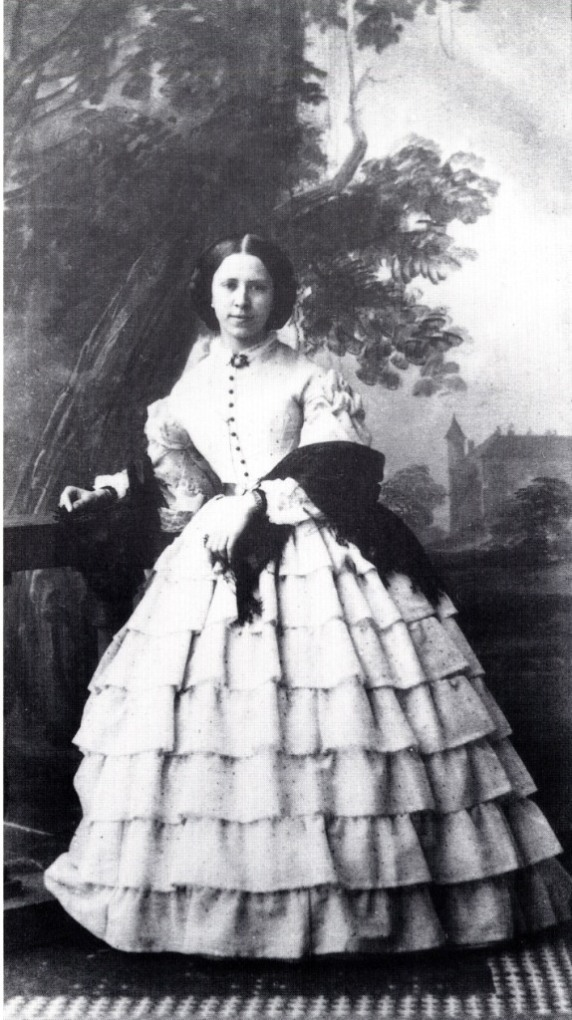 Miss Geralupo (1860) compare this with the dress worn by Irene Vanburgh in Trelawny