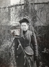 Christina Broom: the first female press photographer